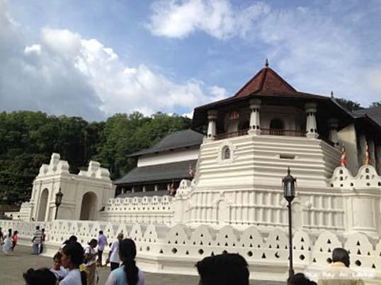 Kandy, lieu de pèlerinage majeur pour tous les Sri Lankais !